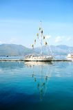 Beau bateau en mer de Gaeta, Italie Photographie stock