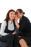 Beau bavardage de deux filles Photographie stock libre de droits