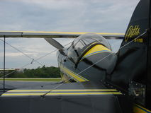 Beau biplan de Pitts S1 d'airshow photos libres de droits