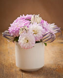Beau bouquet de fleur d'aster Images stock