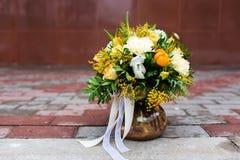 Beau bouquet des fleurs Photographie stock libre de droits