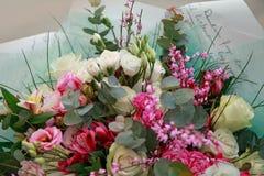 Beau bouquet tendre des fleurs Photo stock