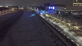 Beau bourdon aérien 4k d'hélicoptère de Moscou banque de vidéos