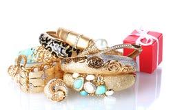 Beau cadre d'or de bijou et de cadeau images stock