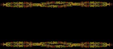 Beau cadre de feuilles d'automne sur le fond noir image libre de droits