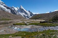 Beau camp de Khuspang dans la saison d'été, K2 voyage, Pakistan image stock