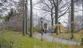Beau Central Park New York - endroit merveilleux pour détendre MANHATTAN - NEW YORK - 1er avril 2017 Image stock