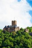 Beau château de Lahneck de Burg dans la forêt verte images libres de droits