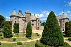 beau château médiéval dans l'Auvergne photo stock
