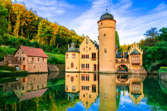 Beau château romantique Mespelbrunn en Allemagne photos libres de droits