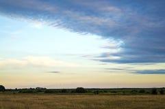 Beau ciel avec des nuages au coucher du soleil Photo libre de droits