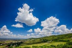 Beau ciel avec des nuages pendant l'après-midi photo libre de droits