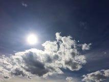 Beau ciel chaud de jour d'été Photographie stock