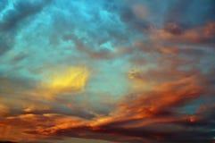 Beau ciel ciel au coucher du soleil Images stock