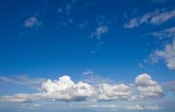 Beau ciel d'été Photos stock