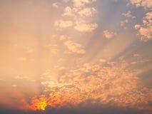Beau ciel de coucher du soleil Images libres de droits
