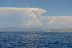 Beau ciel de mer et de nuages Image libre de droits