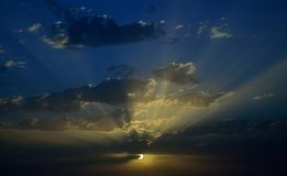 Beau ciel pendant l'aube photos stock