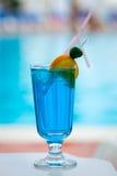 Beau cocktail savoureux avec une paille Photos libres de droits