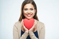 Beau coeur de rouge de prise de femme Concept d'amour de Saint Valentin Photos libres de droits