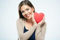 Beau coeur de rouge de prise de femme Concept d'amour de Saint Valentin Photo libre de droits