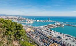 Beau commerce bleu dans les ports industriels de l'Espagne à Barcelone photo stock