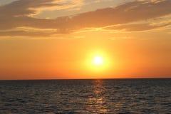 Beau coucher du soleil à la veille de temps beau photo stock