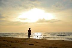 Beau coucher du soleil au-dessus de l'Océan Indien Images stock