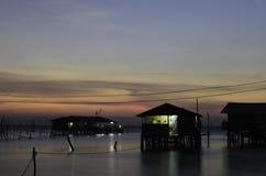 Beau coucher du soleil au-dessus de la mer photo libre de droits