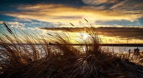 Beau coucher du soleil au-dessus de la mer baltique Photographie stock libre de droits