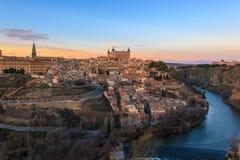 Beau coucher du soleil au-dessus de vieux Toledo Photos stock