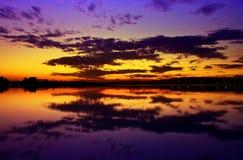 Beau coucher du soleil coloré Images libres de droits