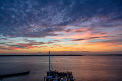 Beau coucher du soleil coloré au-dessus de marina de Hilton Head Island, la Caroline du Sud Photographie stock