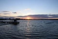 Beau coucher du soleil d'été chez Chasewater, le Staffordshire images stock