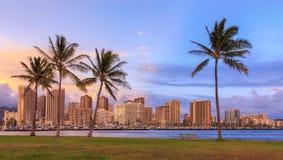 Beau coucher du soleil d'Hawaï photos stock