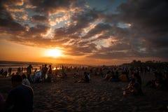 Beau coucher du soleil dans Bali, Indonésie photos libres de droits