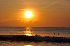 Beau coucher du soleil dans Kuta Photographie stock