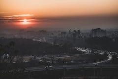 Beau coucher du soleil dans les rues d'Islamabad, Pakistan photos stock
