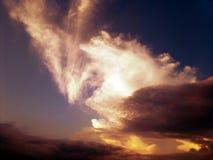 beau coucher du soleil de nuages Photo libre de droits