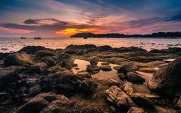 Beau coucher du soleil de paysage marin Photographie stock libre de droits