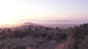 Beau coucher du soleil dramatique dans Kos, Grèce banque de vidéos