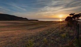 Beau coucher du soleil en Capo-Di-Feno près des Frances d'Ajaccio - de la Corse images libres de droits