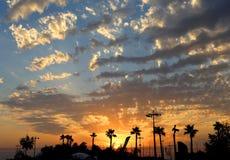 Beau coucher du soleil en mer Photo stock