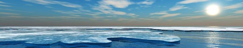 Beau coucher du soleil, nuages et soleil de mer au-dessus de l'eau Image stock
