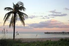 Coucher du soleil de Lauderdale-par-le-Mer, la Floride Images stock
