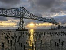 Beau coucher du soleil serein le fleuve Columbia Photographie stock