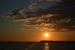 Beau coucher du soleil sur la Mer Noire photos stock