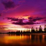 Beau coucher du soleil sur la plage Photo libre de droits