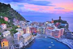 Beau crépuscule avec la mer Méditerranée Image libre de droits