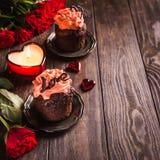 Beau cupecake de chocolat avec le coeur Photos libres de droits